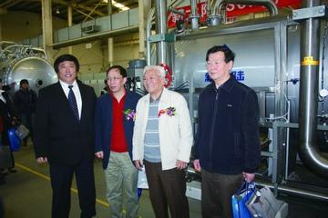 上海市政工程设计研究总院副总工程师王如华,清华大学教授王占生,中国