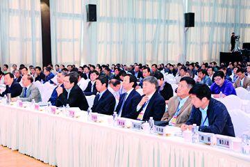 中冶京诚工程技术有限公司建筑设计院技术总监余海群分别围绕《东方电