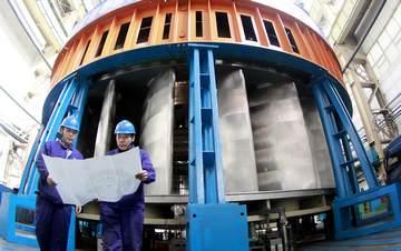哈电机自主研发的首台世界最大向家坝导水机构  (刘心洋 摄)